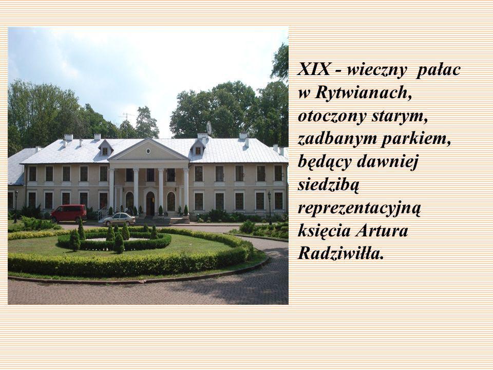 XIX - wieczny pałac w Rytwianach, otoczony starym, zadbanym parkiem, będący dawniej siedzibą reprezentacyjną księcia Artura Radziwiłła.