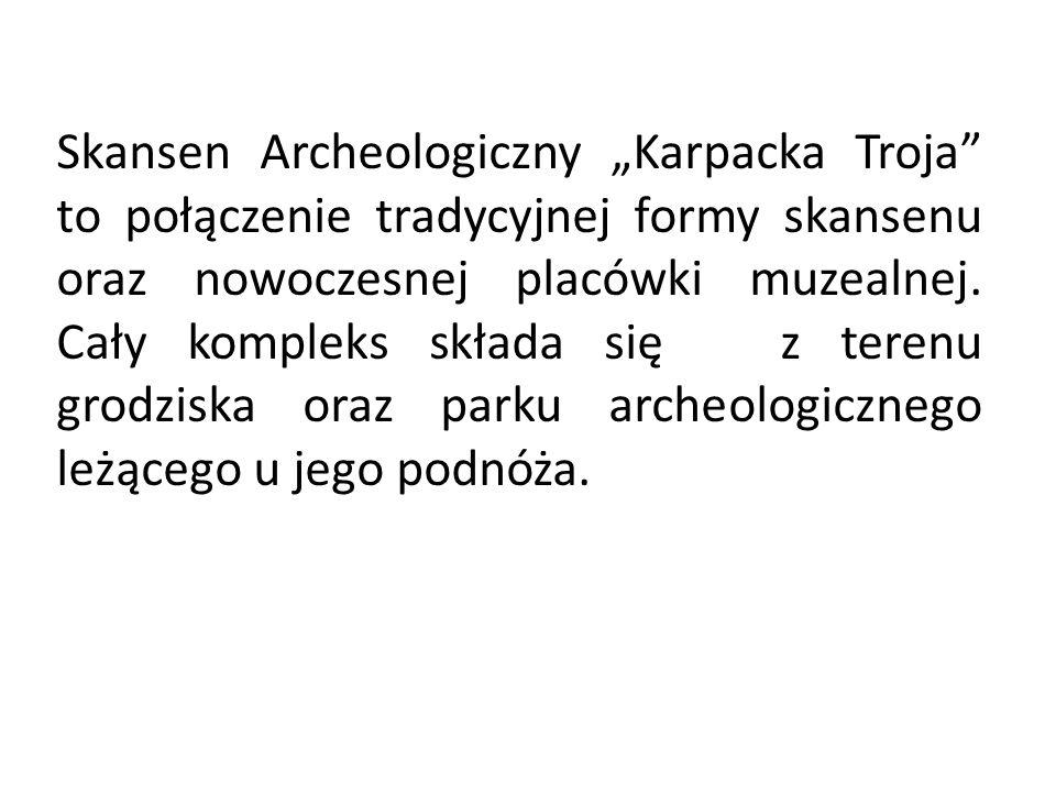 """Skansen Archeologiczny """"Karpacka Troja to połączenie tradycyjnej formy skansenu oraz nowoczesnej placówki muzealnej."""