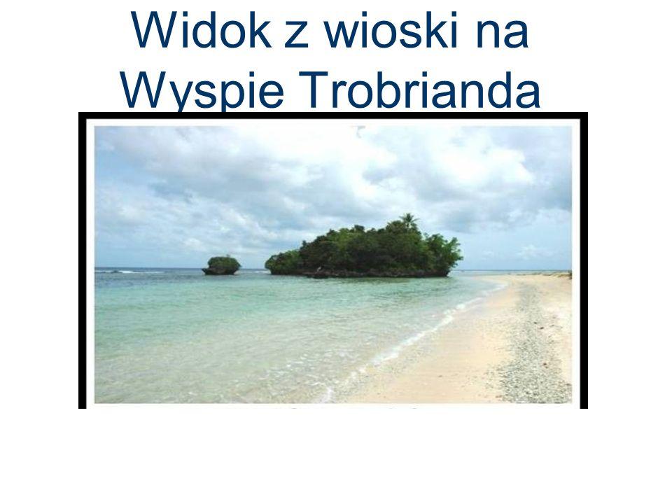 Widok z wioski na Wyspie Trobrianda