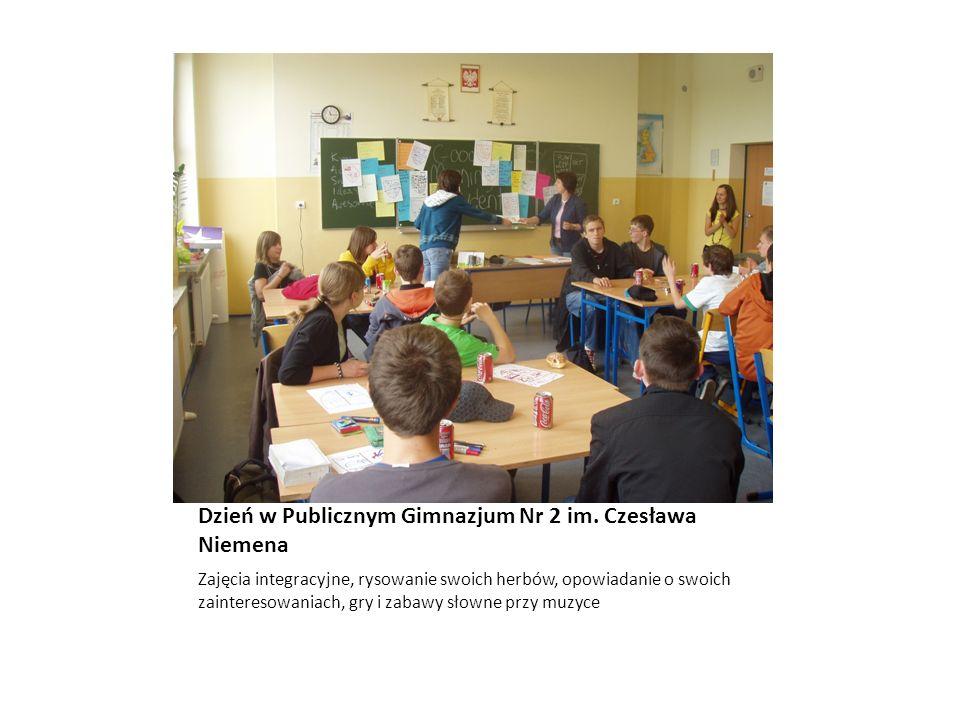 Dzień w Publicznym Gimnazjum Nr 2 im. Czesława Niemena