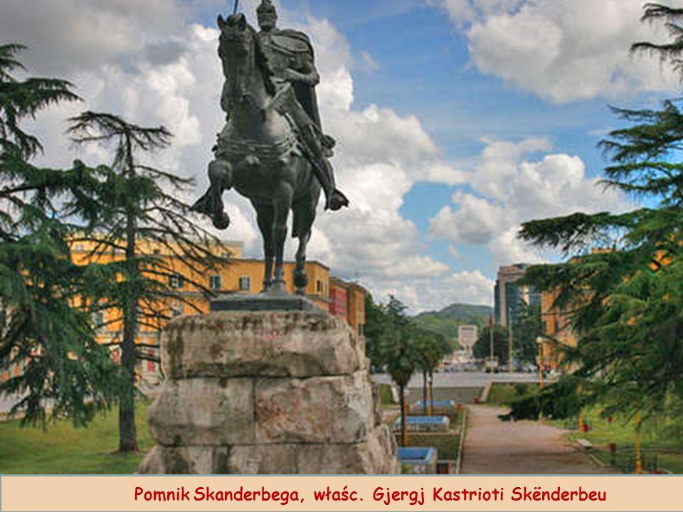 Pomnik Skanderbega, właśc. Gjergj Kastrioti Skënderbeu