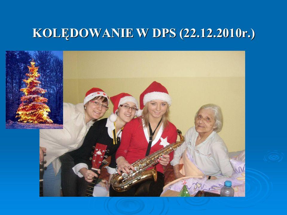 KOLĘDOWANIE W DPS (22.12.2010r.)