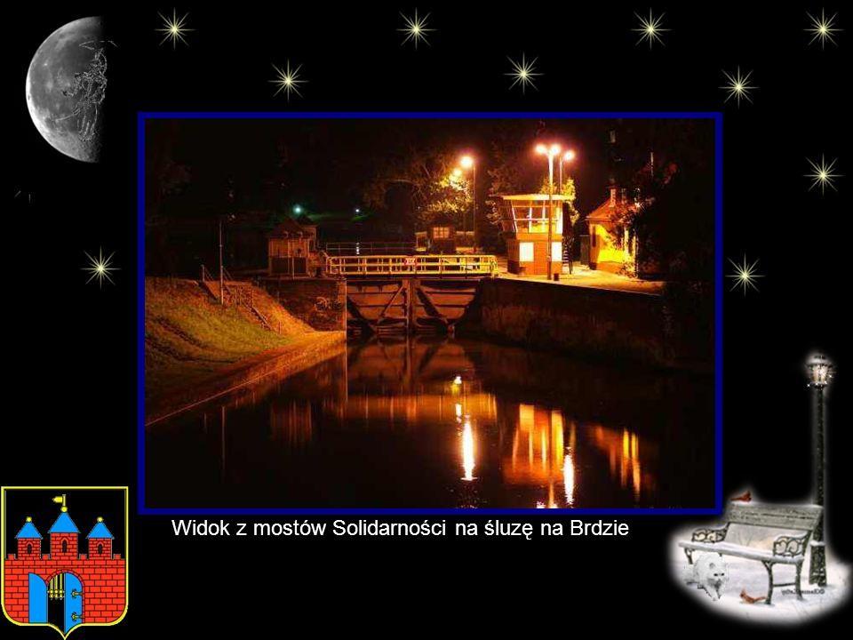 Widok z mostów Solidarności na śluzę na Brdzie