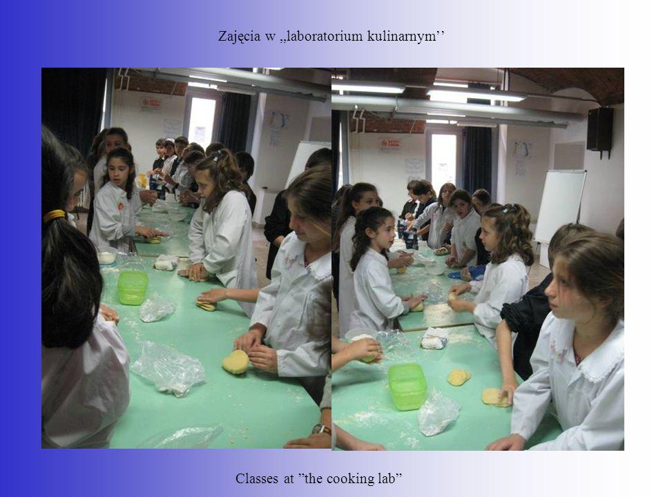 Zajęcia w ,,laboratorium kulinarnym''
