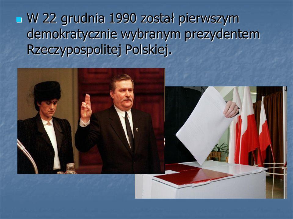 W 22 grudnia 1990 został pierwszym demokratycznie wybranym prezydentem Rzeczypospolitej Polskiej.