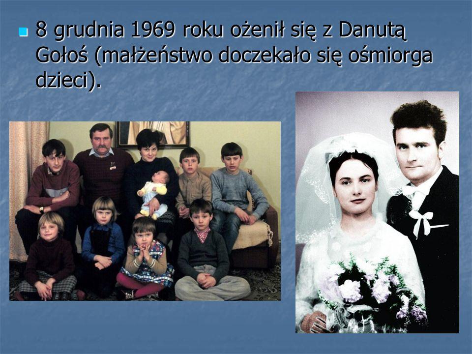 8 grudnia 1969 roku ożenił się z Danutą Gołoś (małżeństwo doczekało się ośmiorga dzieci).