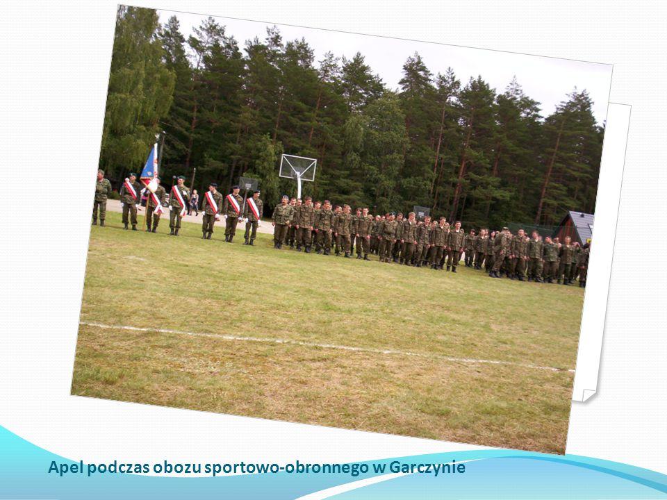 Apel podczas obozu sportowo-obronnego w Garczynie
