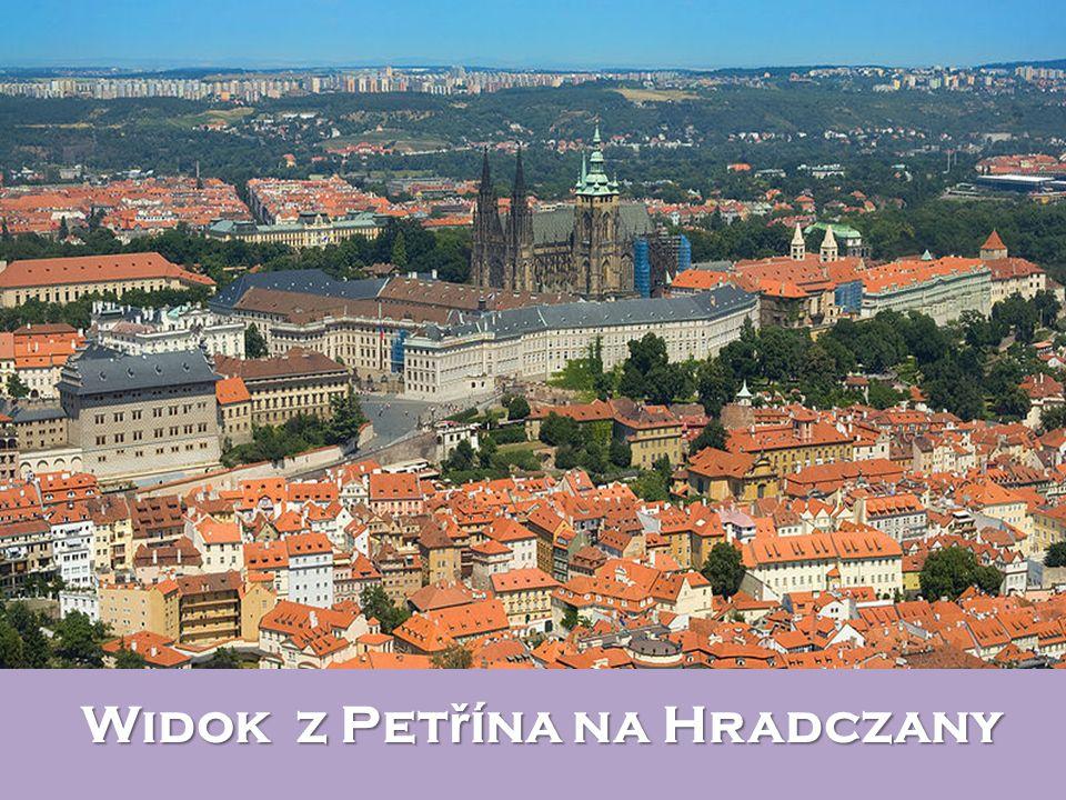 Widok z Petřína na Hradczany