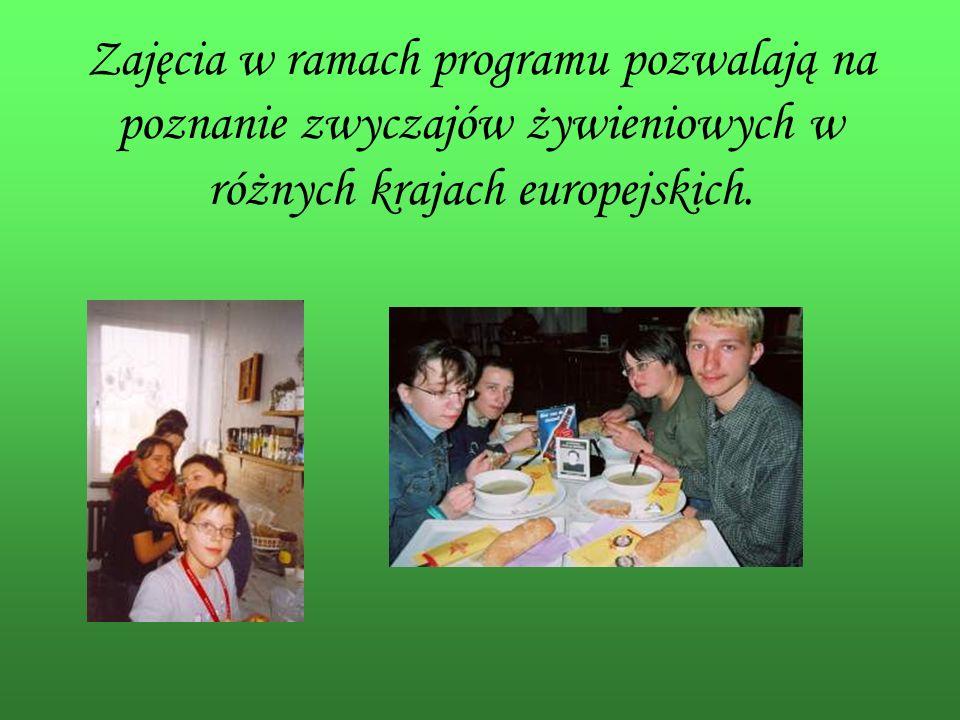 Zajęcia w ramach programu pozwalają na poznanie zwyczajów żywieniowych w różnych krajach europejskich.