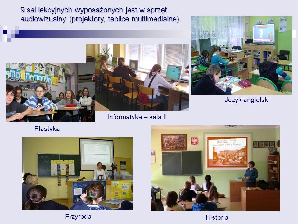 9 sal lekcyjnych wyposażonych jest w sprzęt audiowizualny (projektory, tablice multimedialne).