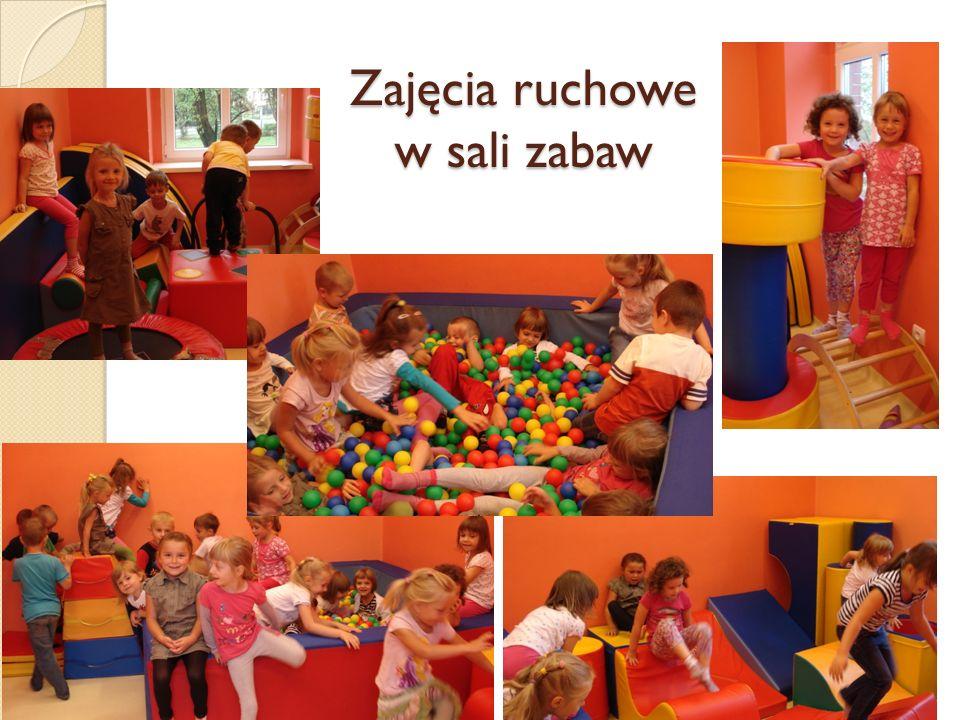 Zajęcia ruchowe w sali zabaw