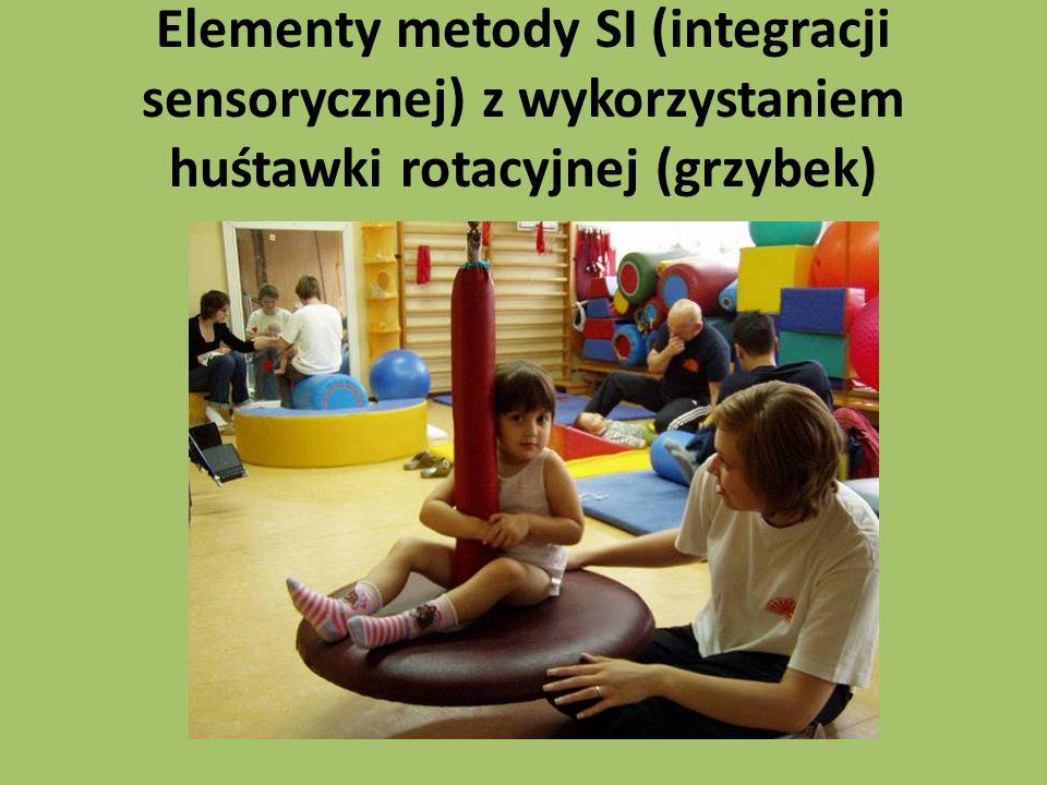 Elementy metody SI (integracji sensorycznej) z wykorzystaniem huśtawki rotacyjnej (grzybek)