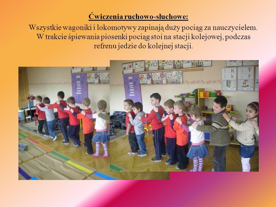 Ćwiczenia ruchowo-słuchowe: Wszystkie wagoniki i lokomotywy zapinają duży pociąg za nauczycielem.