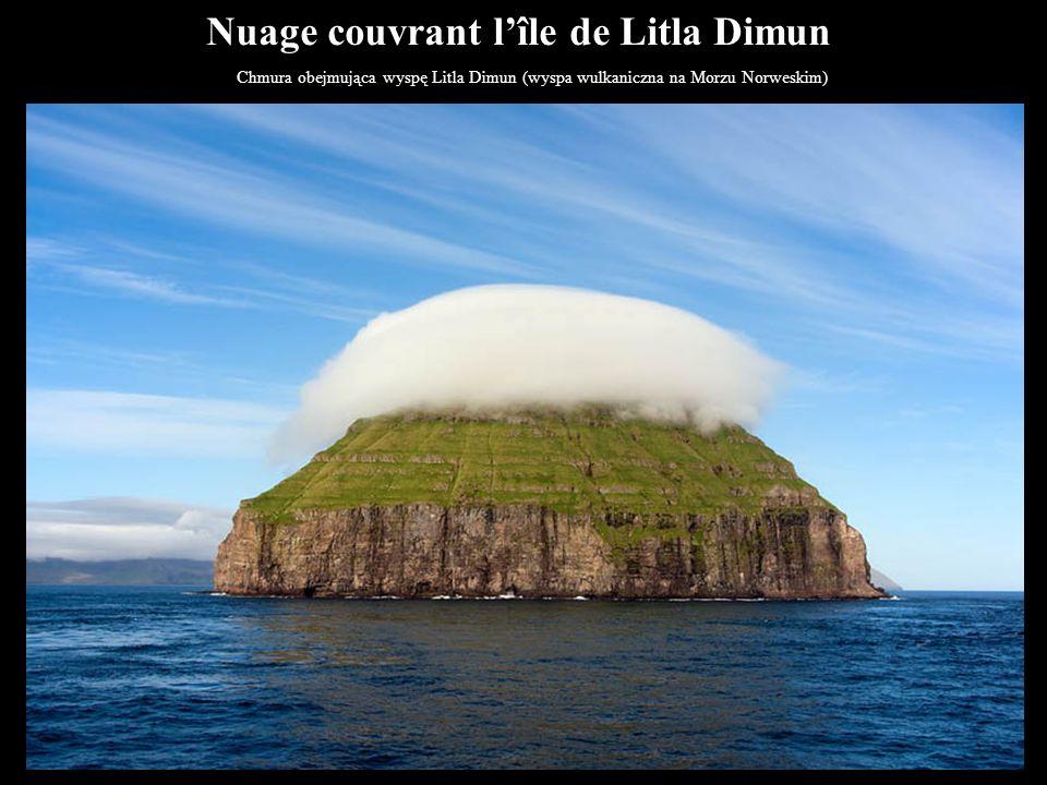 Nuage couvrant l'île de Litla Dimun