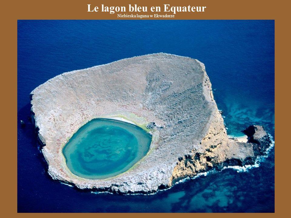 Le lagon bleu en Equateur