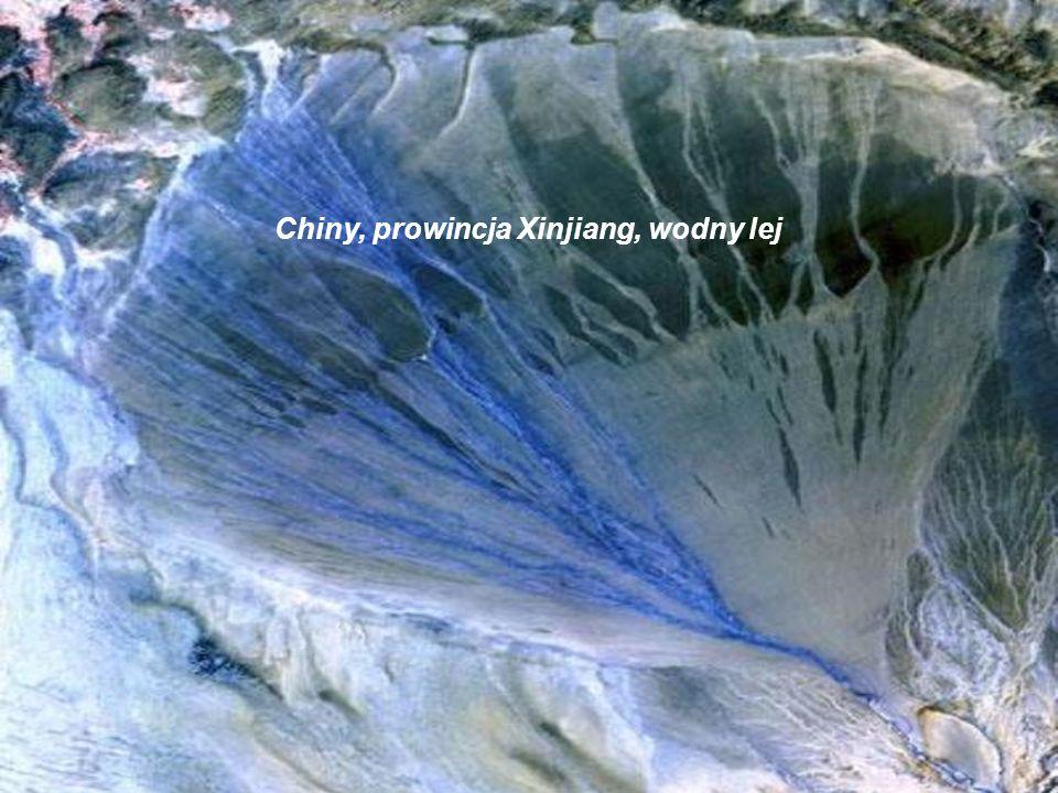 Chiny, prowincja Xinjiang, wodny lej