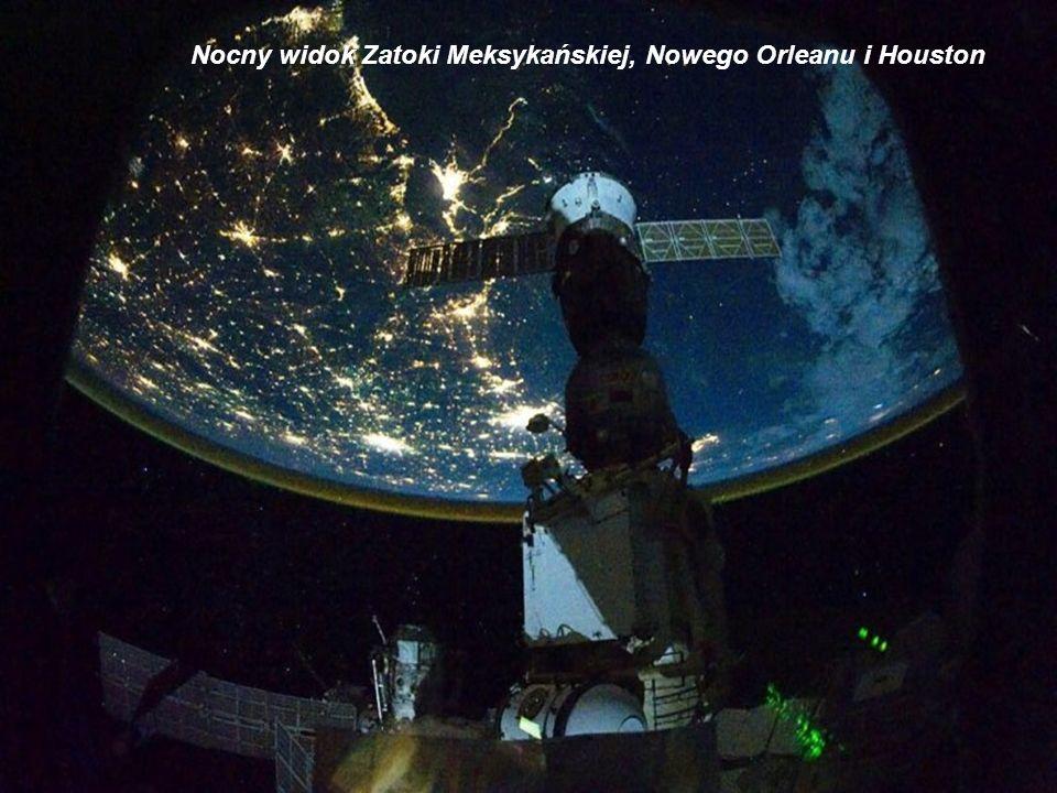 Nocny widok Zatoki Meksykańskiej, Nowego Orleanu i Houston