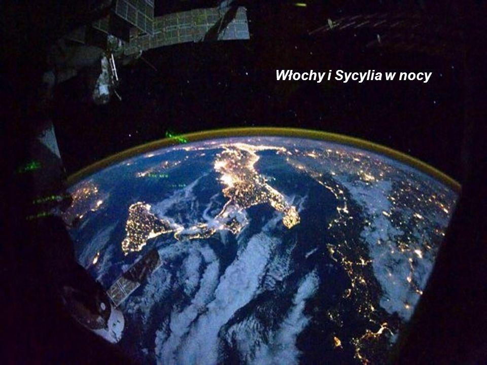 Włochy i Sycylia w nocy