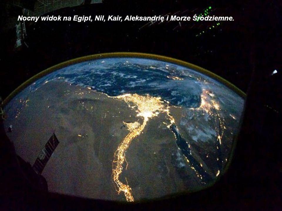 Nocny widok na Egipt, Nil, Kair, Aleksandrię i Morze Śródziemne.