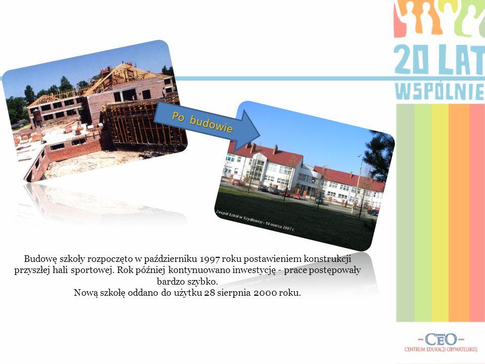 Nową szkołę oddano do użytku 28 sierpnia 2000 roku.