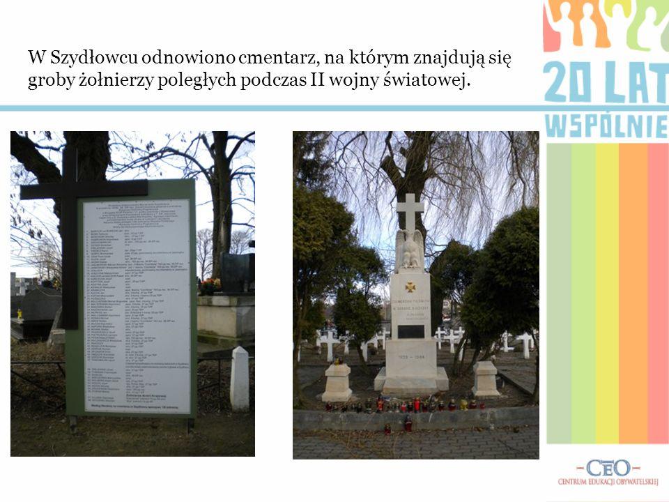 W Szydłowcu odnowiono cmentarz, na którym znajdują się groby żołnierzy poległych podczas II wojny światowej.