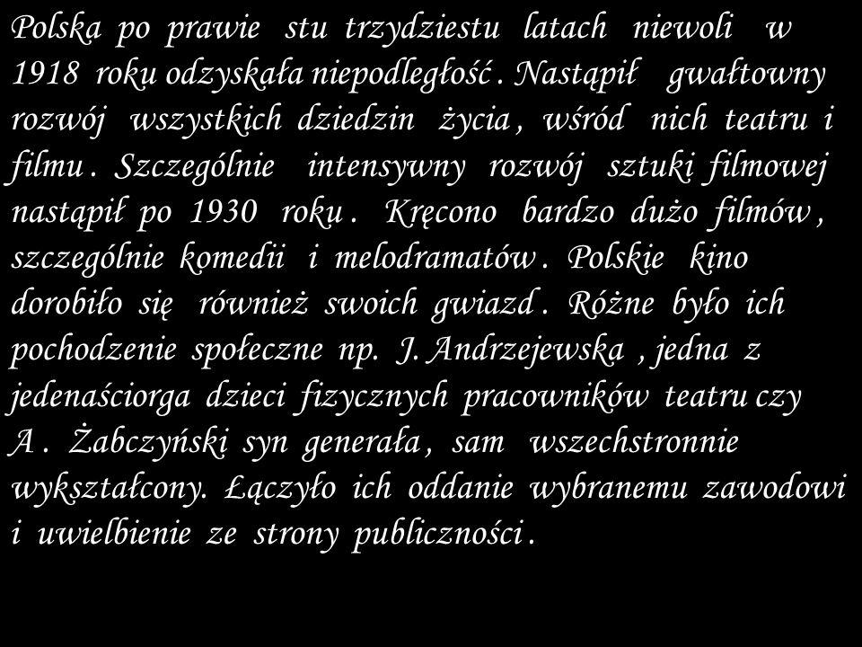 Polska po prawie stu trzydziestu latach niewoli w 1918 roku odzyskała niepodległość .