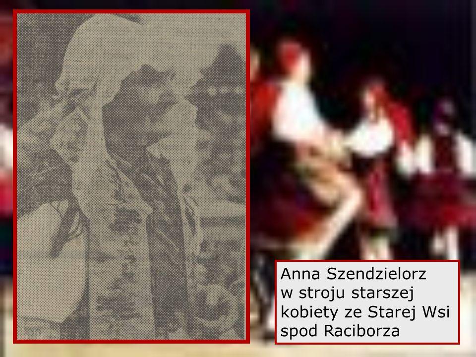 Anna Szendzielorz w stroju starszej kobiety ze Starej Wsi spod Raciborza