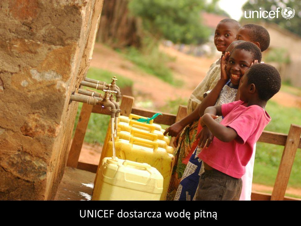 UNICEF dostarcza wodę pitną