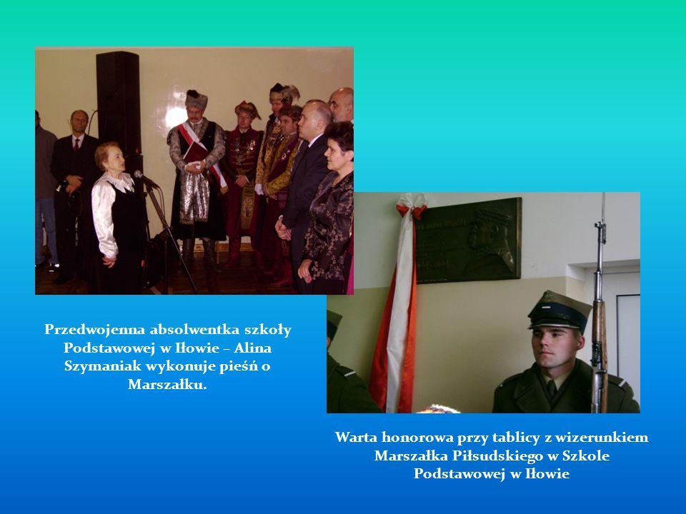 Przedwojenna absolwentka szkoły Podstawowej w Iłowie – Alina Szymaniak wykonuje pieśń o Marszałku.