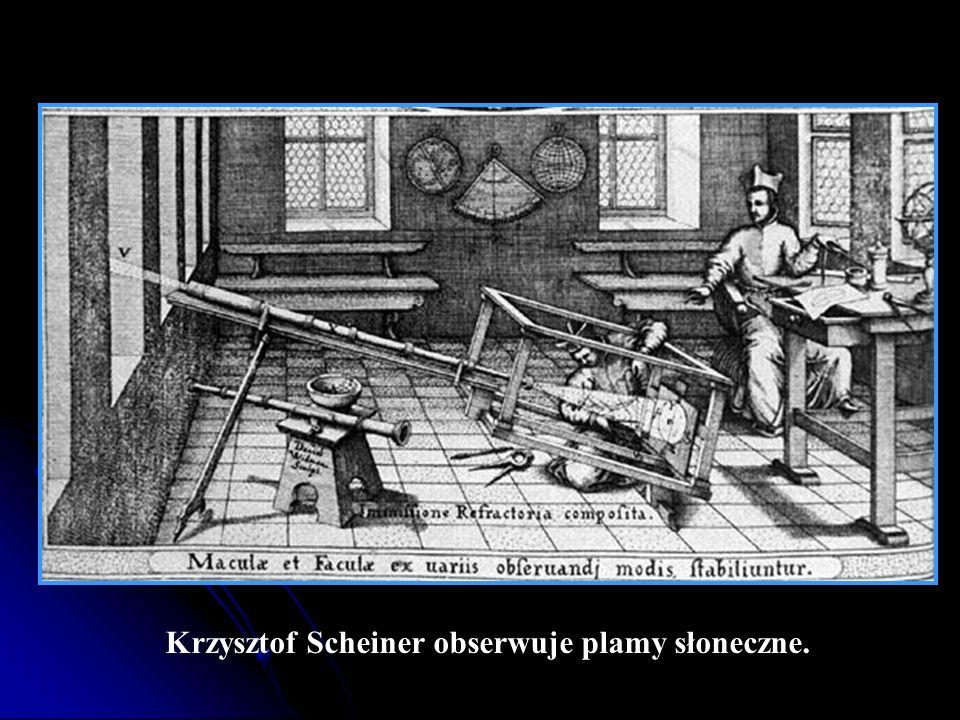 Krzysztof Scheiner obserwuje plamy słoneczne.