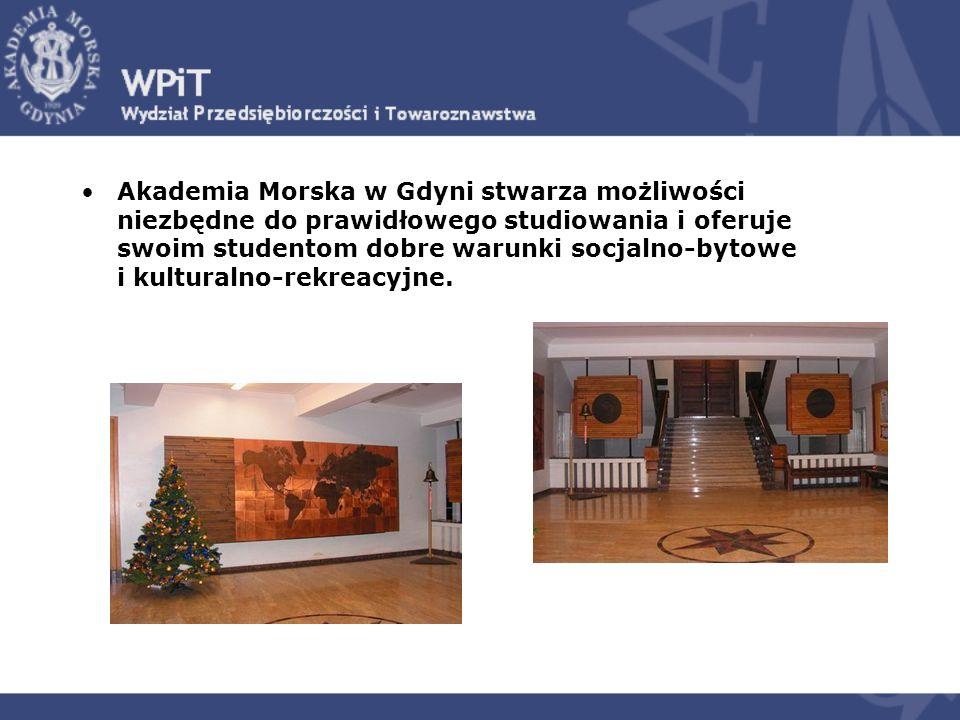 Akademia Morska w Gdyni stwarza możliwości niezbędne do prawidłowego studiowania i oferuje swoim studentom dobre warunki socjalno-bytowe i kulturalno-rekreacyjne.
