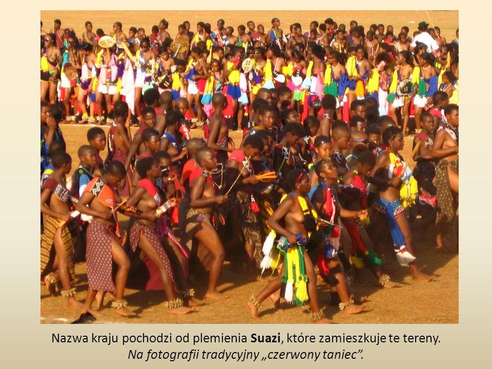 Nazwa kraju pochodzi od plemienia Suazi, które zamieszkuje te tereny.