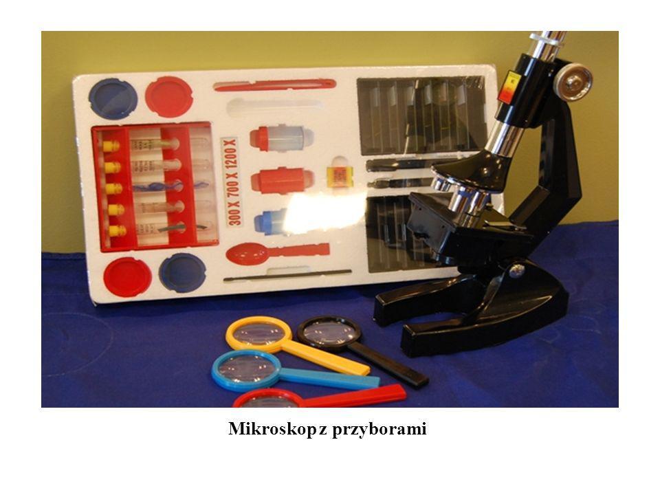 Mikroskop z przyborami