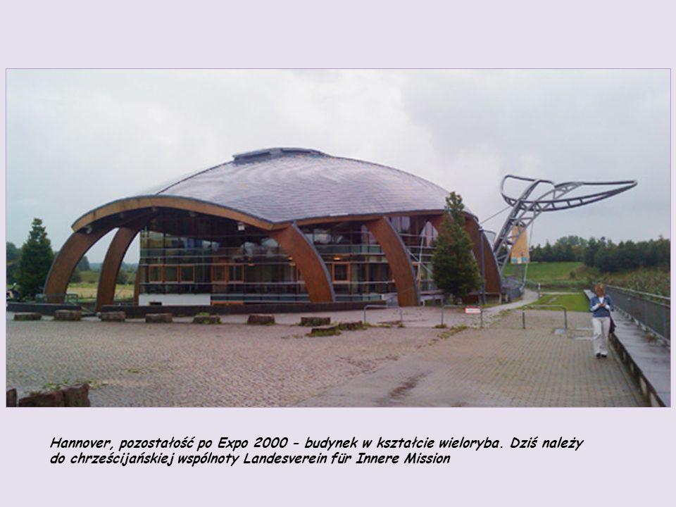 Hannover, pozostałość po Expo 2000 - budynek w kształcie wieloryba