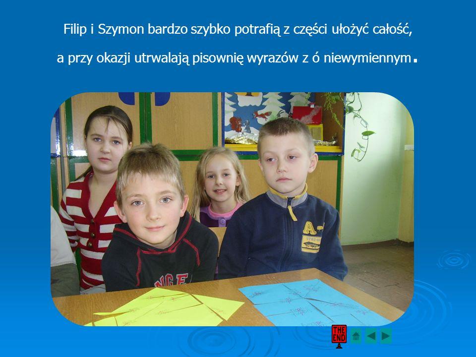 Filip i Szymon bardzo szybko potrafią z części ułożyć całość, a przy okazji utrwalają pisownię wyrazów z ó niewymiennym.