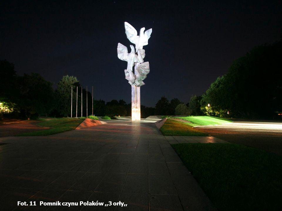 Fot. 11 Pomnik czynu Polaków ,,3 orły,,