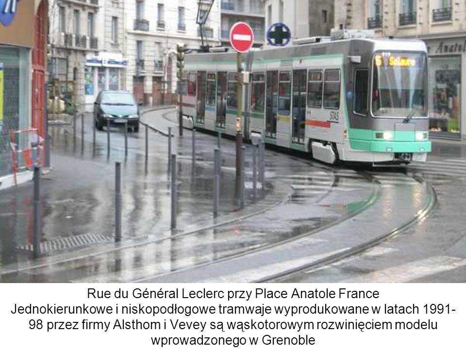 Rue du Général Leclerc przy Place Anatole France