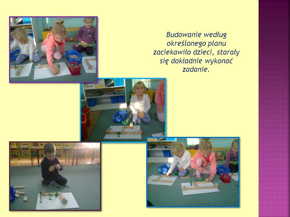 Budowanie według określonego planu zaciekawiło dzieci, starały się dokładnie wykonać zadanie.