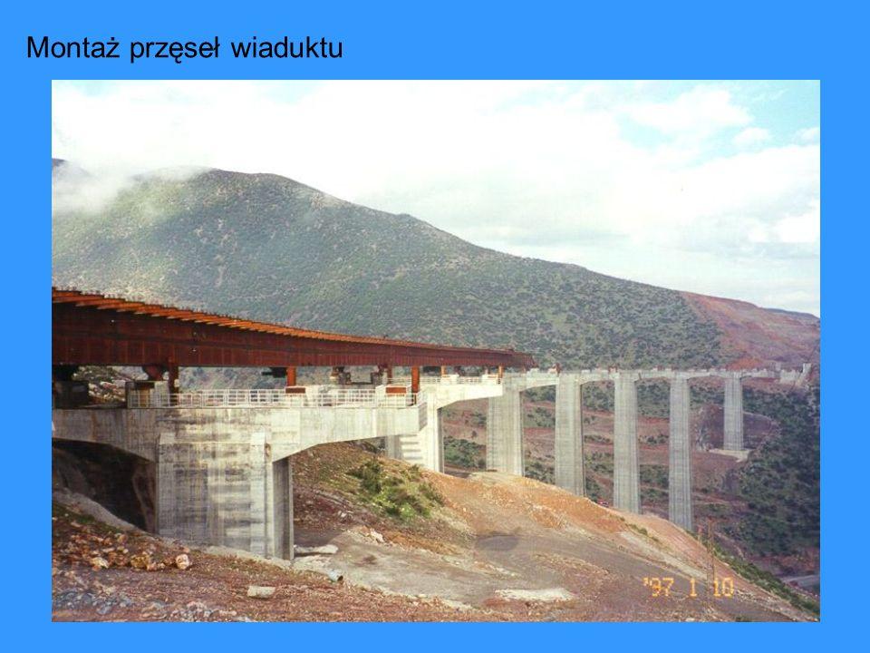 Montaż przęseł wiaduktu