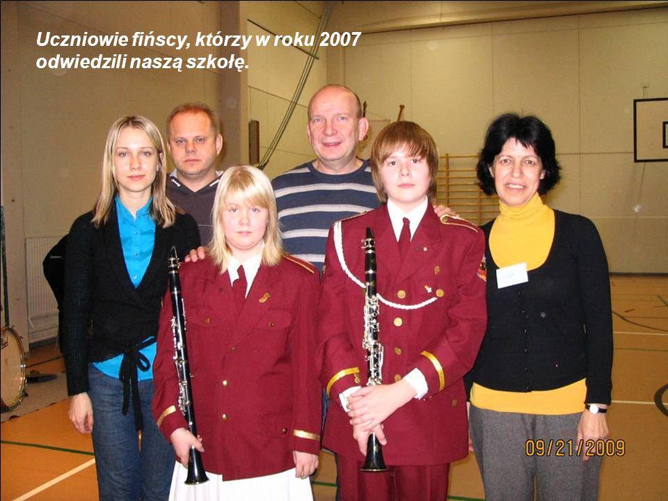 Uczniowie fińscy, którzy w roku 2007 odwiedzili naszą szkołę.