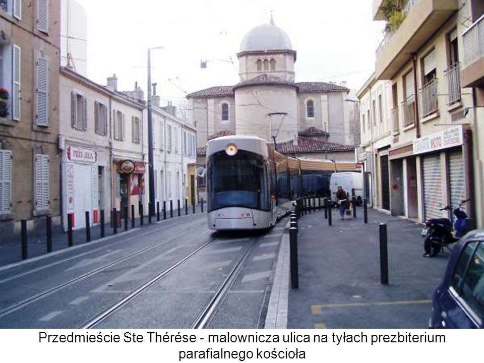 Przedmieście Ste Thérése - malownicza ulica na tyłach prezbiterium parafialnego kościoła