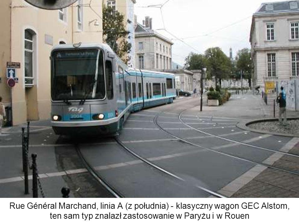 Rue Général Marchand, linia A (z południa) - klasyczny wagon GEC Alstom, ten sam typ znalazł zastosowanie w Paryżu i w Rouen