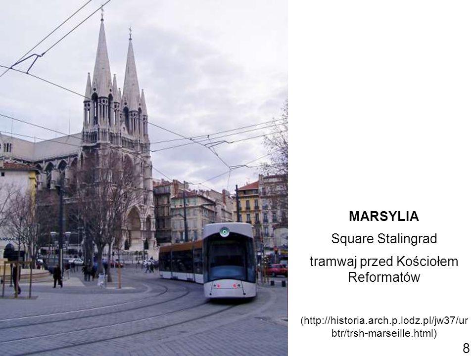 tramwaj przed Kościołem Reformatów