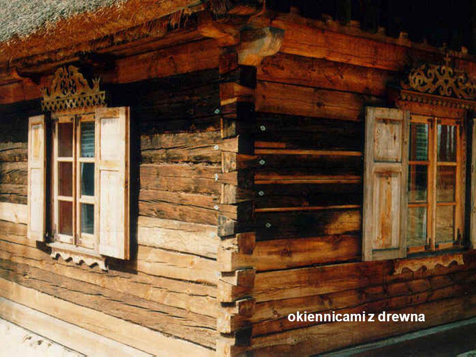 okiennicami z drewna