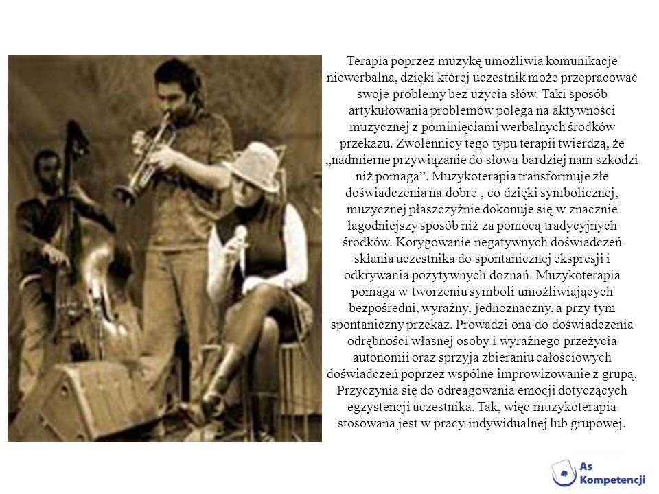 Terapia poprzez muzykę umożliwia komunikacje niewerbalna, dzięki której uczestnik może przepracować swoje problemy bez użycia słów.