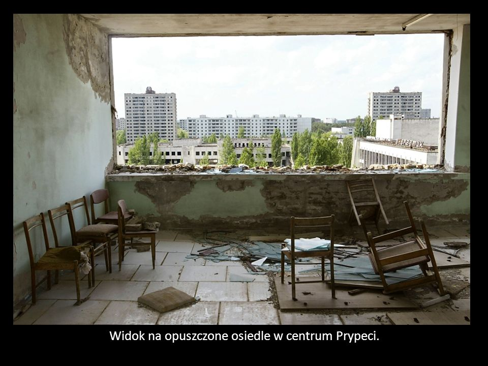 Widok na opuszczone osiedle w centrum Prypeci.