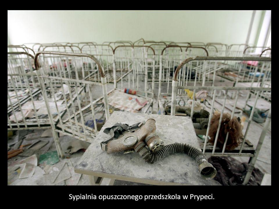Sypialnia opuszczonego przedszkola w Prypeci.