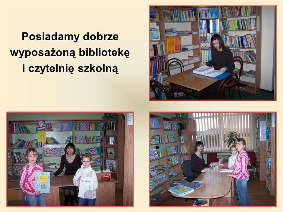 wyposażoną bibliotekę