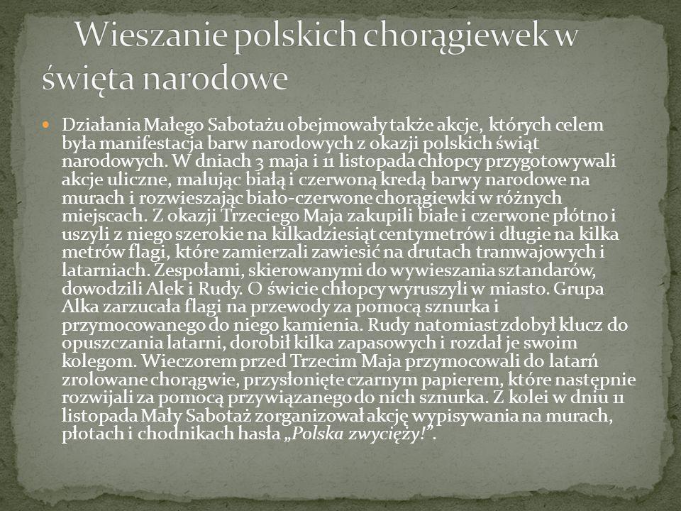 Wieszanie polskich chorągiewek w święta narodowe