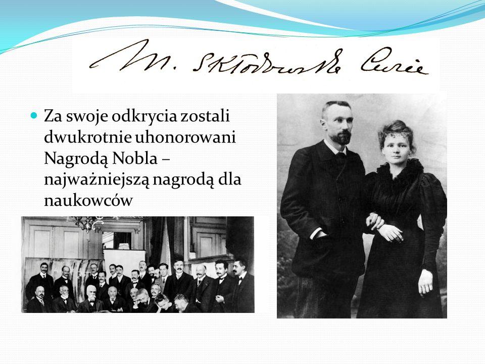 Za swoje odkrycia zostali dwukrotnie uhonorowani Nagrodą Nobla – najważniejszą nagrodą dla naukowców